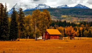 Cabin in front of Elk Mountain Range